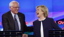 Sanders y Clinton, durante un debate por la primaria del Partido Demócrata.