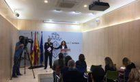 La edil Angèlica Pastor y el jefe policial Josep Palouzie han comparecido en rueda de prensa.