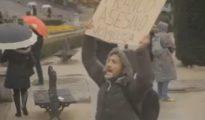 Lagarder Danciu, con una pancarta contra Franco.