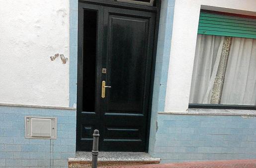 La Policía le apresó de nuevo al día siguiente por forzar la entrada a la vivienda