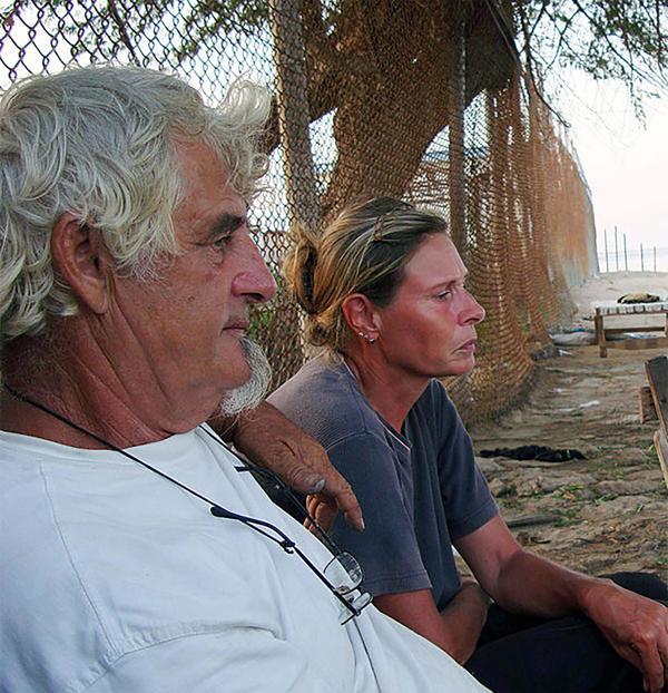 Kantner y Merz, luego de haber sido secuestrados por piratas somalíes en 2008