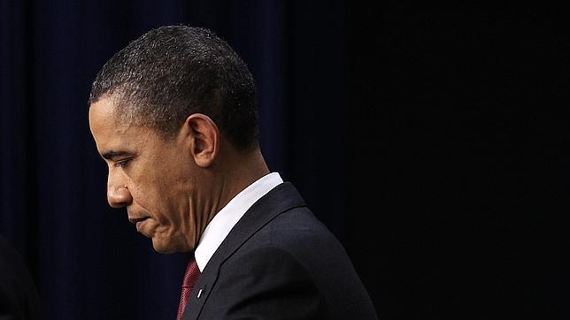 El primer discurso presidencial relevante de Obama tuvo lugar en El Cairo el 4 de junio de 2009, ante un vasto número de jeques y miembros de los Hermanos Musulmanes, a los que el presidente norteamericano empoderó y confirió legitimidad. El despreciado presidente egipcio Hosni Mubarak no acudió. Así, con las bendiciones de EEUU, empezó al ascenso al poder de los Hermanos Musulmanes. (Imagen: la Casa Blanca).