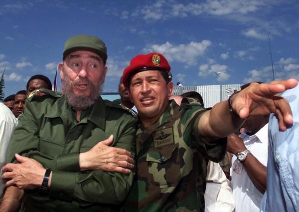 Octubre, año 2000, junto a Hugo Chávez