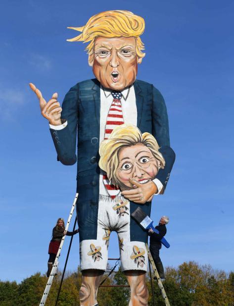 La efigie del candidato republicano a la presidencia de EE.UU. tiene 36 pies de altura.