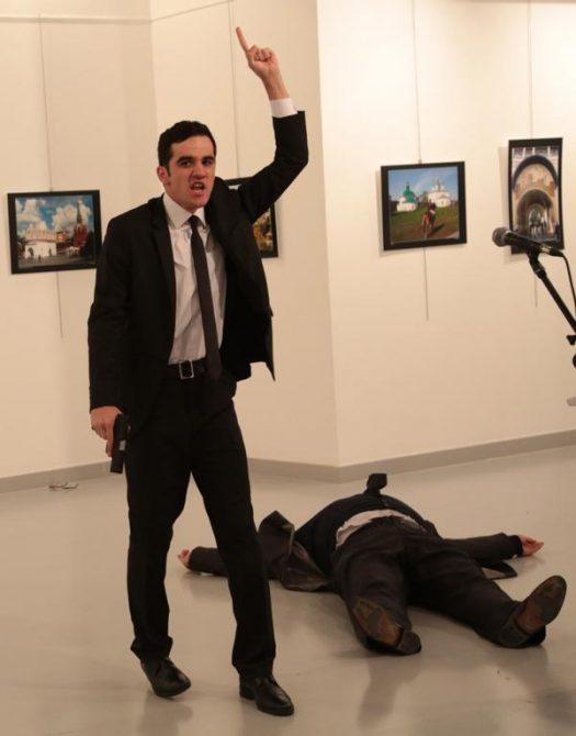 El agresor atacó por la espalda a Karlov