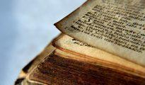 El jugador del Chapecoense Hélio Zampier Neto, que sobrevivió al accidente de avión, lleva siembre la Biblia en su maleta.