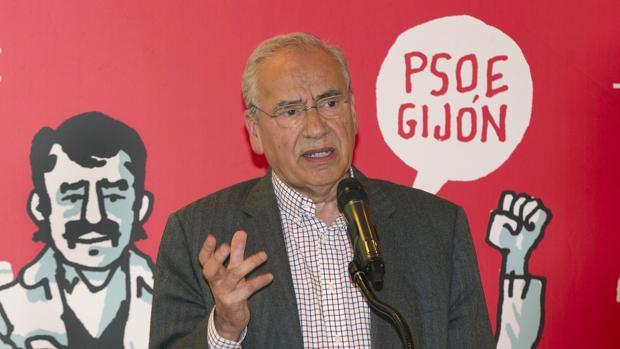 Alfonso Guerra ,durante su intervención este domingo