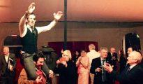 Juan José Padilla, en volandas en el Club Taurino de Londres