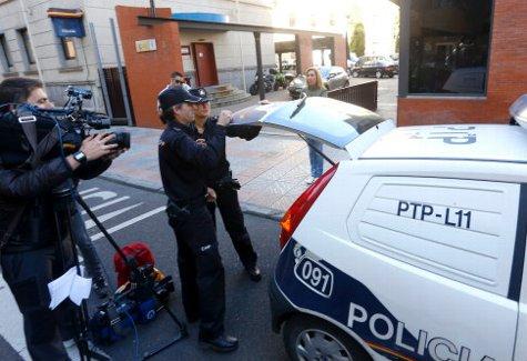 La Comisaría de León en los días iniciales de la investigación del crimen.
