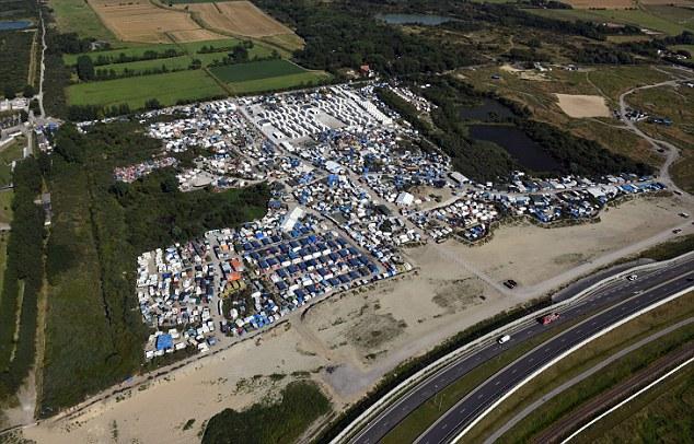 """Campamento de Calais """"La jungla""""."""