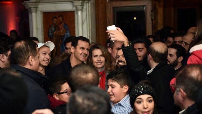 Assad en una iglesia cristiana en Damasco