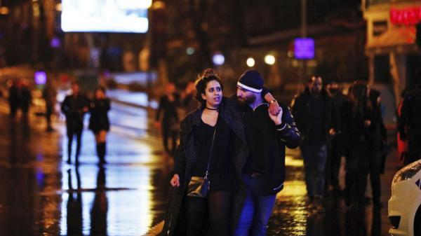 El ataque ocurrió en un popular club nocturno frente al río Bósforo