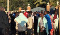 Los inmigrantes, a su llegada esta mañana a Benajarafe.