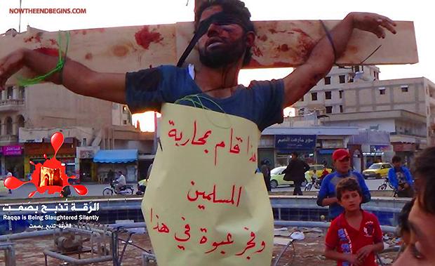 Cristiano crucificado por el ISIS