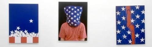 Una obra de Hans Haacke, «State of the Union», caracterizada por ser un arte de investigación poco estético y que se expuso en 2005.