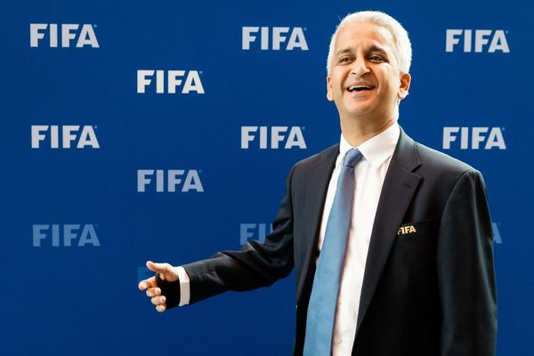 Sunil Gulati, presidente de la Federación de Fútbol de EEUU, trabajará con Trump para recibir el Mundial 2026