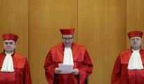 Los jueces del Tribunal Constitucional de Alemania leen su veredicto sobre la ilegalización del NPD