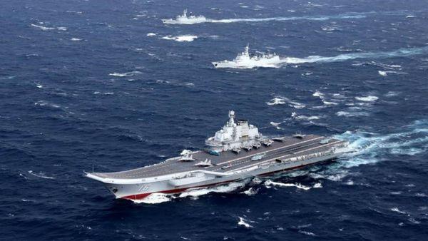 El portaaviones chino Liaoning en el Mar de China Meridional