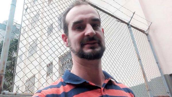 El ex concejal socialista español Manel Martínez, de visita en Caracas