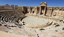 Esta foto de archivo, tomada el 31 de marzo de 2016, muestra el teatro romano en la ciudad antigua de Palmira, en Siria
