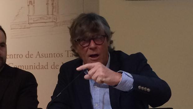 Simón Casas, durante su intervención este domingo en Las Ventas