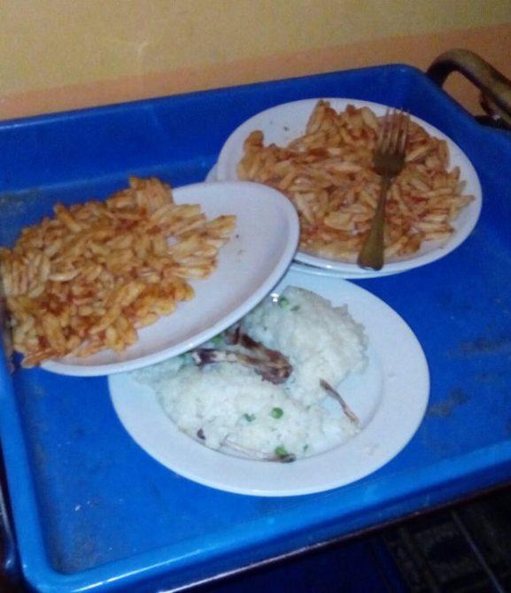 Imagen del menú servido en el centro de refugiados italiano.