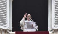 El Papa en su tradicional misa del domingo.