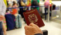 Miles de venezolanos ya se vieron afectados por la falta de material para los pasaportes