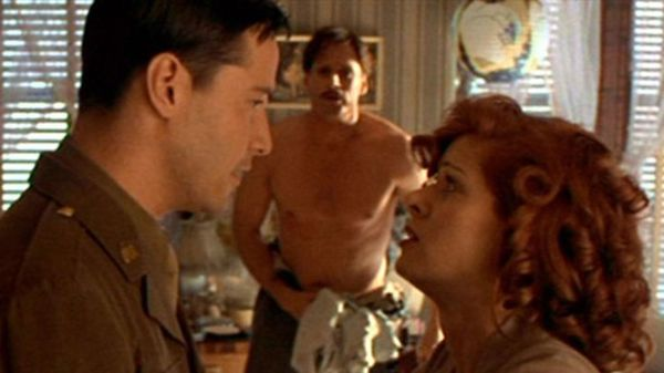 """Debra Messing junto a Keanu Reeves en """"Un paseo por las nubes"""""""