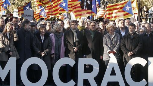 Puigdemont lideró la manifestación en las calles