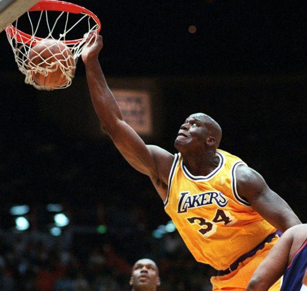 O Neil ganó tres títulos con los Lakers (2000, 2001 y 2002)