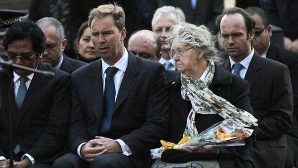 El ministro Ellwood, en una ceremonia por los 10 años del atentado en Bali