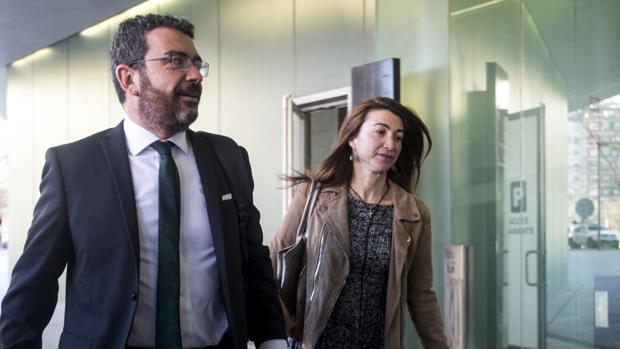Francesc Sánchez, de CDC, llegando a la Ciudad de la Justicia de Barcelona -