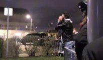 Alrededor de 30 seguidores fueron al aeropuerto a insultar a los jugadores tras la eliminación de la Champions League