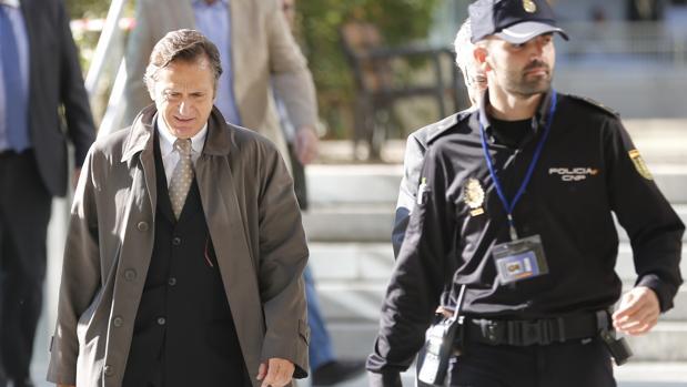Jordi Pujol Ferrusola, cuando se dirigía a declarar ante la Audiencia Nacional en noviembre de 2015