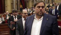 Carles Puigdemont, Jordi Turull y Oriol Junqueras, en el Parlamento de Cataluña