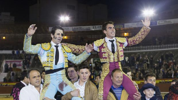 Padilla y Soler salen a hombros en Castellón
