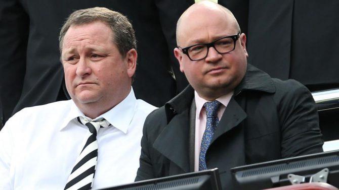 Mike Ashley, dueño del Newcastle, y Lee Charnley, director general del club (Ian Macnicol