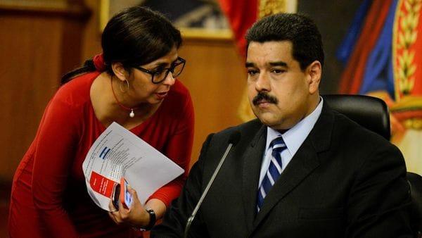 La canciller venezolana, Delcy Rodríguez, y el presidente Nicolás Maduro