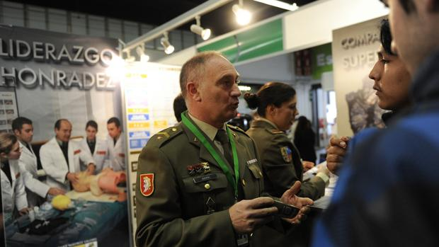 Stans del Ejército en el Salón de la Enseñanza de Barcelona