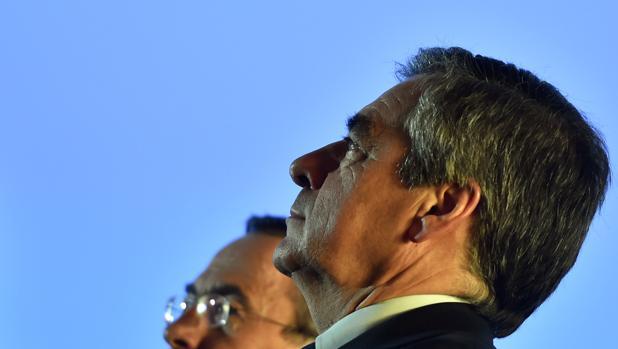 Fillon, en primer plano, en un acto electoral en Lille este martes
