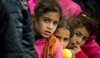 Tres niñas sirias en un centro de refugiados de Berlín