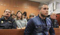 El hijastro del torero José Ortega Cano está acusado de un delito de atentado contra la autoridad