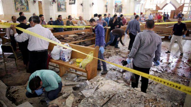 Imagen de un atentado islamista en una iglesia copta en Egipto.