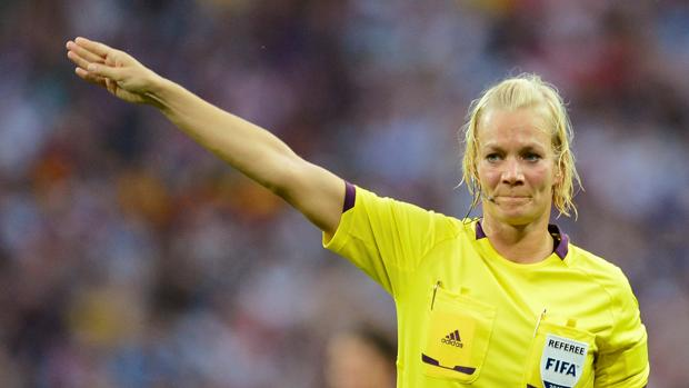 Bibiana Steinhaus, primera mujer árbitro en la Bundesliga