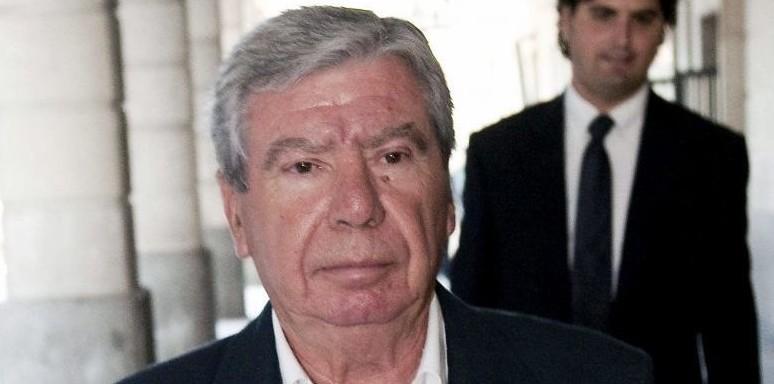 El ex ministro del interior jos luis corcuera abandona el for Ex ministro del interior