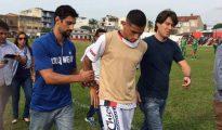 La Policía ingreso vestida de civil y detuvo al futbolista Marlon Natanel de Lima Alexandre en pleno partido
