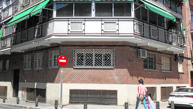 Edificio donde ocurrieron los hechos, ayer
