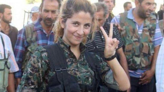 Una combatiente kurda.