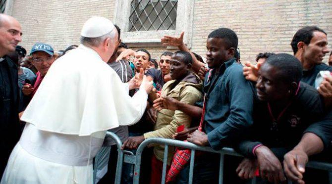 Con el papa Francisco, los católicos progresistas han instaurado en negocio de la solidaridad.